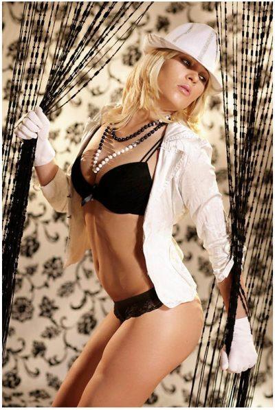Mooie sexy blondine Chantal